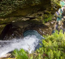 17-Parc-National_Fiordland_cascade-The-Chasm_NZ_Terra-Tributa